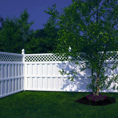 Lattice Topped Vinyl Shadowbox Fence In 2019 Fence Prices Vinyl Fence Cost Fence