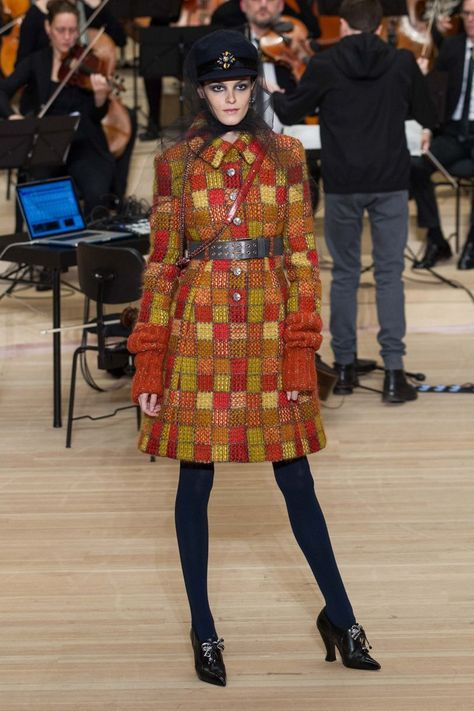 Chanel Autumn/Winter 2018 Pre-Fall | British Vogue #FashionTrendsAutumn