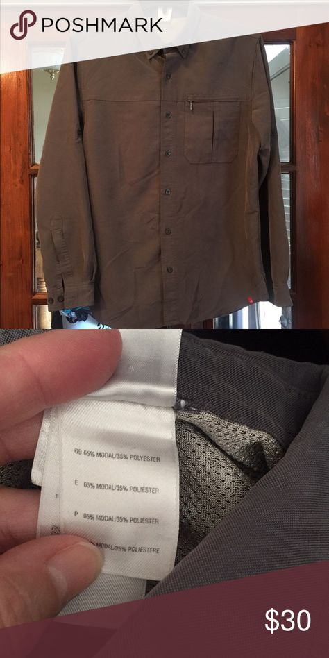 2cf0a063a49 The North Face long sleeved Button Down Shirt sz M Excellent condition long  sleeved shirt from The North Face in men s size medium.