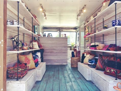 How to Promote and Manage Private Event Bookings for Your Fashion Truck — Start or Grow a Mobile Boutique Business Boutique Mobiles, Foodtrucks Ideas, Caravan Shop, Mobile Fashion Truck, Small Motorhomes, Kombi Motorhome, Mobile Business, Truck Interior, Mobile Shop
