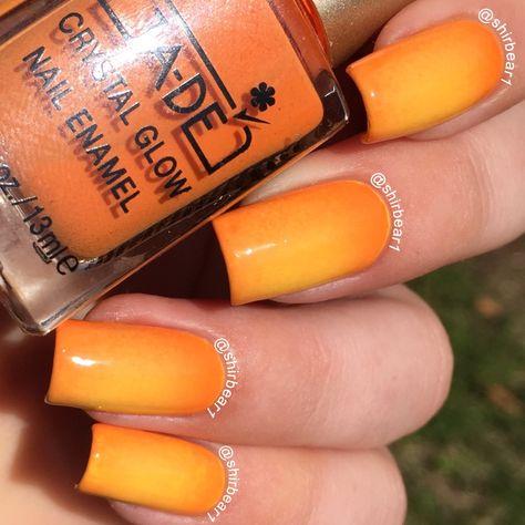 Orange Circular Gradient nails