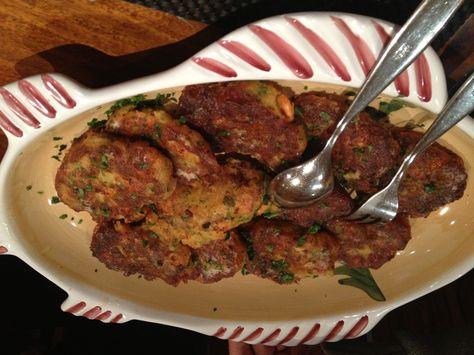 Polpettine di gamberi e patate fritte in padella solo con olio d'oliva. www.sciclialbergodiffuso.it