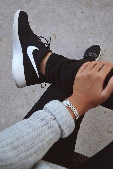 official photos df38c e33e2 Nike Roshe Run Black Volt White Alta-Moda | online sneaker store  |www.altamoda.nl