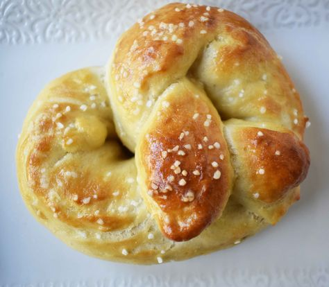 Easy homeade pretzels that are just like the ones you buy.