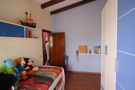 Se Vende Bonita Casa Adosada En Urbanizacion La Hondura Puerto Del Rosario Fuerteventura Distribuida En Salo Casas En Venta Casa Adosada Cuarto De Lavadora