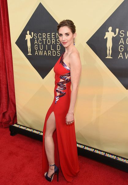 Actor Alison Brie attends the 24th Annual Screen Actors Guild Awards.