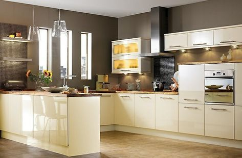 Paint The Kitchen 60 Suggestions On How To Design A Cream Kitchen New House Designs Cream Design House Ki In 2020 Kuchen Streichen Kuche Gestalten Kuche Beige