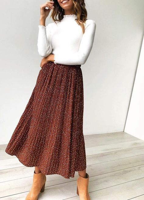 Coffee Polka Dot Maxi Skirt Jassie Line Mode Outfits, Casual Outfits, Fashion Outfits, Look Fashion, Autumn Fashion, Maxi Skirt Outfits, Maxi Skirt Outfit Summer, Winter Midi Skirt, Autumn Skirt Outfit