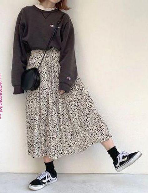 Winter korean fashion pic# korean fashion styles in 2019 long skirt fashion. Shion winter korean fashion pic# korean fashion styles in 2019 long skirt fashion. Long Skirt Fashion, Long Skirt Outfits, Frock Fashion, Fasion, Fashion Outfits, Fashion Trends, Fashion Fashion, Fashion Styles, Long Skirt Style