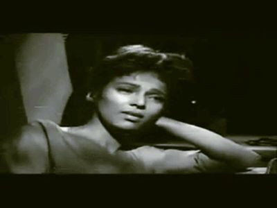 Amazing, Halle Berry and Dorothy Dandridge resemble each other so much in this gif (submitted by Jay. Original gif source: nostalgiagolden)