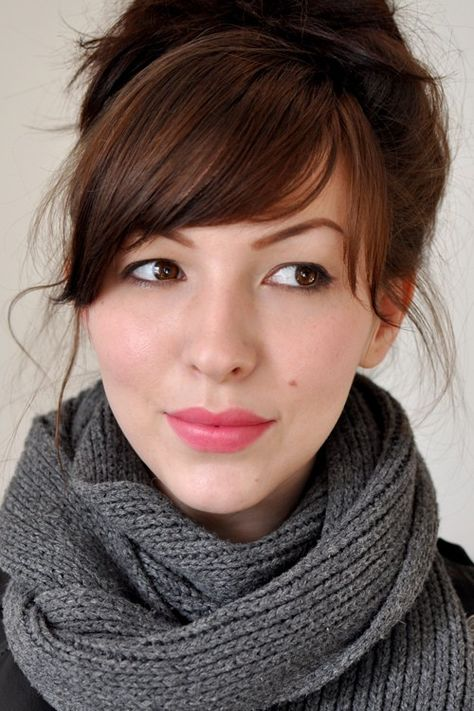 I want bangs like this but I'm nervous about getting them and also getting to the point where one night I might just go crazy and give myself a terrible hair cut. :/ @Hannah Douty @Sally Caggiano
