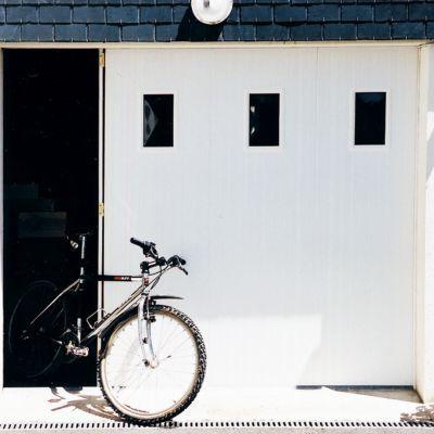 Porte De Garage Coulissante Pvc Hublots L 240 X H 200 Cm En Kit
