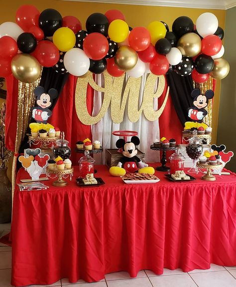 25 Disney First Birthday Party Themes That Are So Good, Walt Himself Would Be Proud Mickey Mouse Birthday Decorations, Mickey Mouse Theme Party, Mickey 1st Birthdays, Fiesta Mickey Mouse, Mickey Mouse First Birthday, Mickey Mouse Clubhouse Birthday Party, First Birthday Party Themes, Mickey Mouse Backdrop, Mickey Mouse Desserts