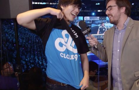 BoxBox is so cute :) interview with Travis at NA finals https://www.youtube.com/watch?v=SEwVYFPs4uk #games #LeagueOfLegends #esports #lol #riot #Worlds #gaming
