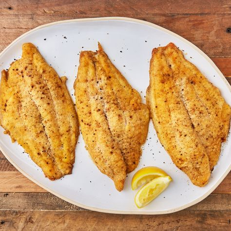 This Baked Catfish Will Make You Want To Grab Your Fishing Pole tablespoons oil. Bake until golden and fish flakes Baked Catfish Fillets, Baked Catfish Recipes, Fried Catfish, Fish Dishes, Seafood Dishes, Seafood Recipes, Main Dishes, Restaurant Recipes, Chicken Recipes