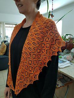 Ravelry: Bowerbird pattern by Cath Ward | Skaros, šaliai