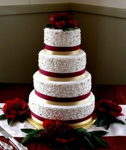 Burgundy Gold Ivory Fall Round Winter Wedding Cakes Photos Pictures