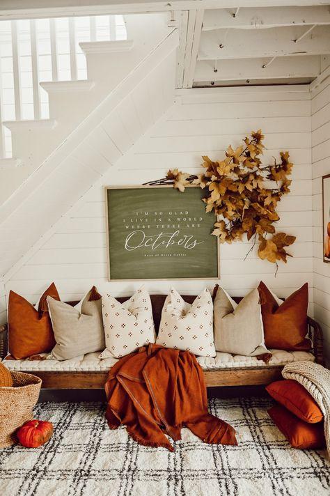 Cozy Fall Nook Under The Stairs - My best home decor list Decoration Inspiration, Autumn Inspiration, Deco Boheme Chic, Home Design, Interior Design, Fall Home Decor, Autumn Home Decorations, Home Decor Ideas, Living Room Halloween Decor