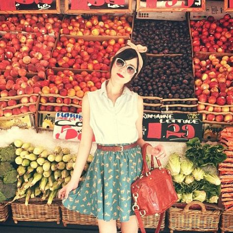 I want to look like this when I go shopping at the farmer's market! #vintage…