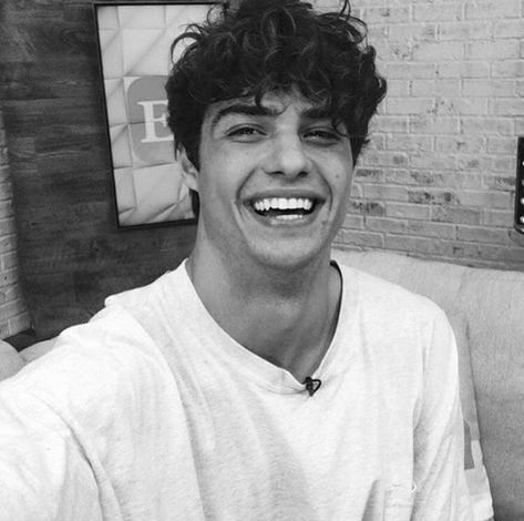 IDEAS PARA FOTOS TUMBLR COMO NOAH CENTINEO - Fire Away Paris