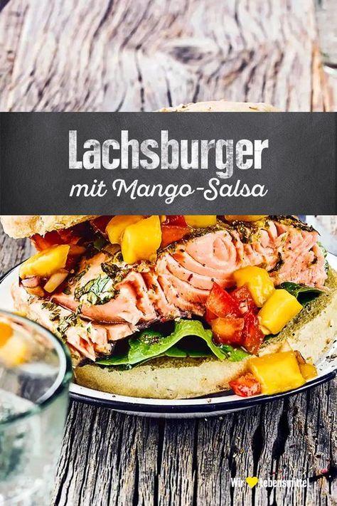 Fruchtiger Lachsburger vom Grill mit Avocado-Mango-Salsa. Die Brötchen werden sogar im Grill gebacken, und erhalten somit ein herrliches Aroma #lachs #burger #avocado #salsa #edeka