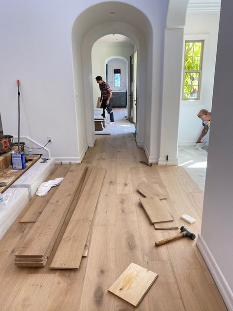 house flooring Transforming our Torina Project with Pravada FloorsBECKI OWENS Modern Style Homes, Style At Home, Home Renovation, Home Remodeling, Kitchen Remodeling, Decor Scandinavian, Plywood Furniture, White Furniture, Upcycled Furniture