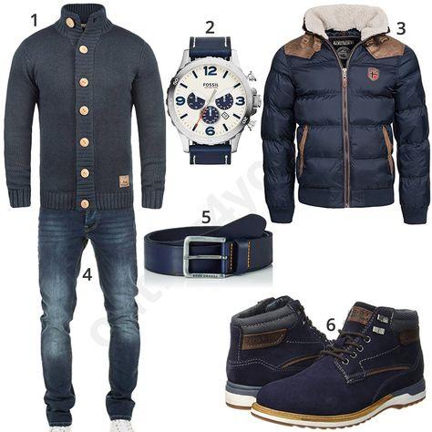 Dunkelblaues Herrenoutfit mit Steppjacke und Caridgan | Mode