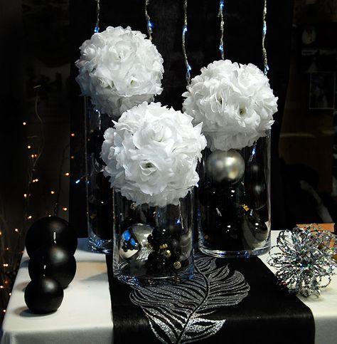 Un Centre De Table Pour Une Decoration De Mariage En Noir Et