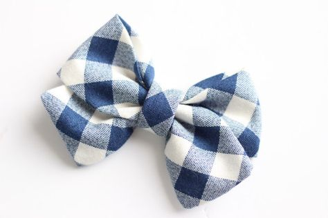 Etsy の Navy gingham bow by EmmysPretties