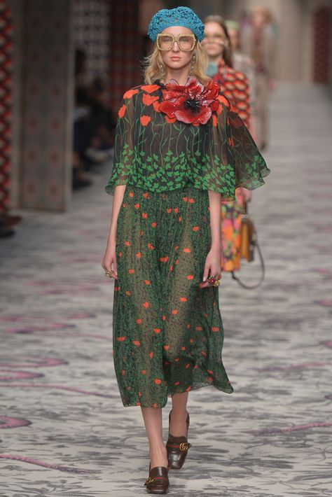Gucci Ready to Wear Spring Interesting floral print dress, terrible styling.