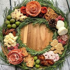 A Charcuterie Wreath Is the Most Beautiful Christmas Appetizer