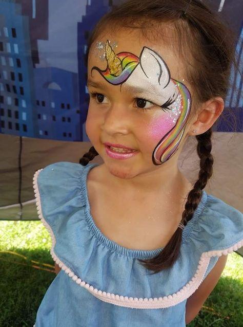 Einhorn Kindergeburtstag – Unicorn Party. Hier findest Du Ideen zum beliebten Einhorn-Kinderschminken. Bei der Umsetzung Deiner Ideen beachte unsere Geheimzutaten für ein erfolgreiches Kinderschminken: viele Farben, eine Menge Glitzer und viel Fantasie! #kinder #deko #geburtstag #einhorn #unicorn #facepainting