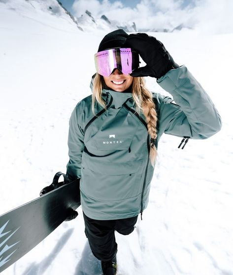 Beautiful atlantic colored technical winter snowboard jacket for women Snowboarding Style, Snowboarding Women, Snowboarding Jackets, Womens Snowboard Jacket, Snowboard Girl, Mode Au Ski, Burton Ski, Jackets For Women, Clothes For Women