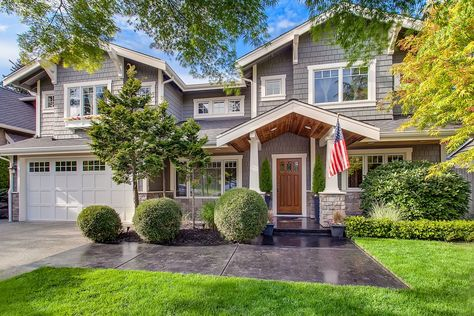 The Front Porch Of This Craftsman Home Gets A Modern Update With Sleek Wood Paneling Craftsman House House Exterior Craftsman Style Homes