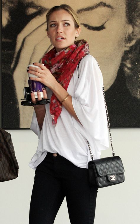 Love this casual style and I LOVE that bag (I want it)! :)