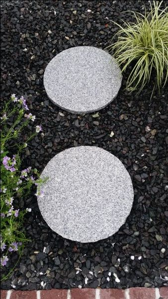 Silver Grey Granite Round Stepping Stones These Are 40cm Diameter With A Textured Non Slip Surfac Garden Stepping Stones Round Stepping Stones Stepping Stones