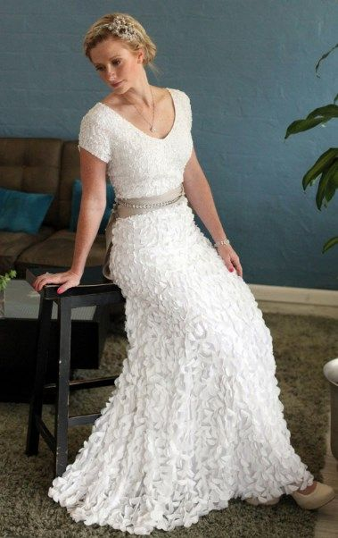 60 Best Casual Wedding Dresses For Second Marriages 2019 Plus Size Women Fashion Casual Wedding Dress Knee Length Wedding Dress Short Wedding Dress