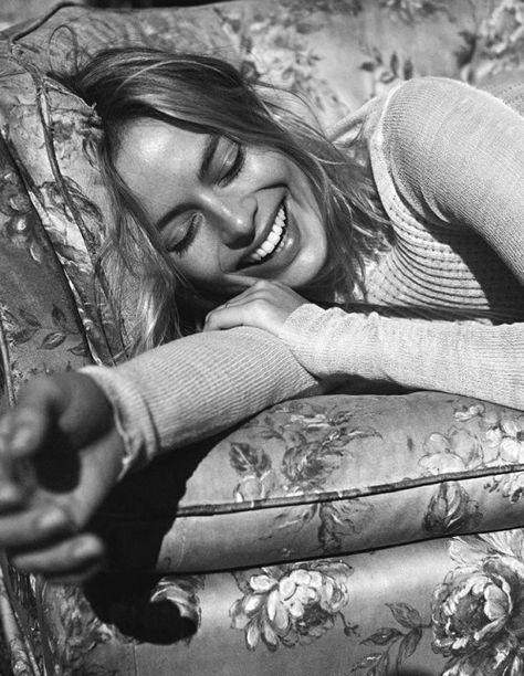 Margot Robbie Vogue Australia December 2017 - theFashionSpot
