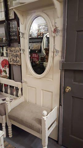 super Ideas old door ideas repurposed decor Old Door Knobs, Vintage Door Knobs, Refurbished Furniture, Furniture Makeover, Diy Furniture, Furniture Vintage, Door Hall Trees, Door Tree, Old Door Projects
