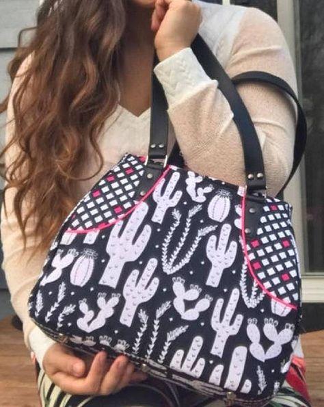 Hippo Spot Fashion Diagonal Single Shoulder Workout Bag