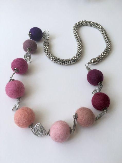 5 sizes to choose Handmade 100/% Wool 100 Light Latte Brown Felt Balls
