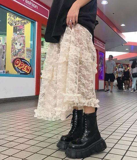 Image about fashion in — style inspo! by nicole alejandra - Image about fashion in — style inspo! by nicole alejandra - Indie Outfits, Grunge Outfits, Cool Outfits, Fashion Outfits, Fashion Tips, Long Skirt Outfits, Punk Outfits, Stylish Outfits, Looks Street Style