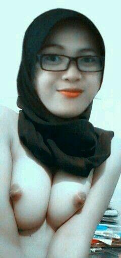 Indonesian muslim girls nude