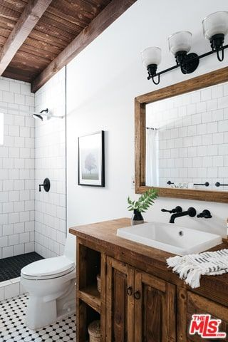 50 Spanish Style Primary Bathroom Ideas Photos In 2020 Spanish Bathroom Spanish Style Bathrooms Bathroom Styling