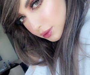 Pin By Kinki Halena On Make Up Teenage Girl Photography Girl Photo Poses Beauty