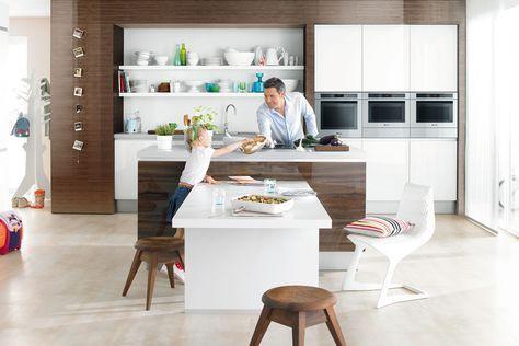 Wenn der esstisch direkt an die kochinsel grenzt sollten sie die spüle besser im küchenblock