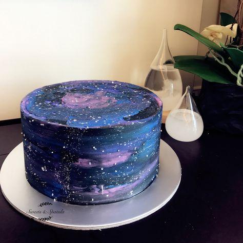 To Infinity & Beyond… My take on the futuristic Galaxy Cake. To Infinity & Beyond … Meine Version des futuristischen Galaxy Cake.