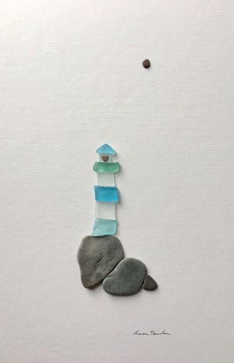 Arte de vidrio y piedra de mar por sharon nowlan faro por PebbleArt – Wood Glass and sea stone art by Sharon nowlan lighthouse by PebbleArt Sea Glass Crafts, Sea Crafts, Sea Glass Art, Seashell Crafts, Glass Art Pictures, Sea Art, Stone Crafts, Driftwood Art, Pebble Art