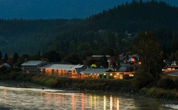 My Favorite Hotel Kootenai River Inn In Bonners Ferry