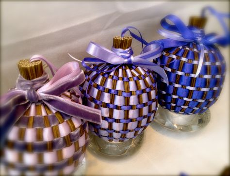 Lavender sachets from Provence Shows how to do double ribbon